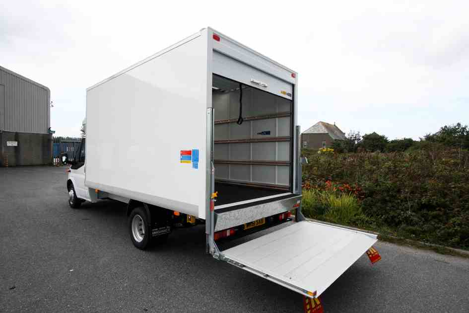 3f13de55a1 Luton van with tail lift Pitsea. man and van hire pitsea